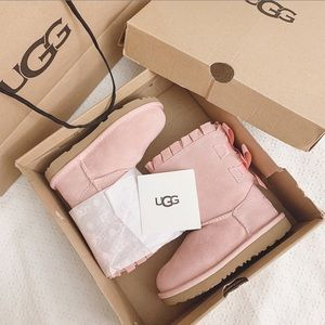BNIB UGG Toddlers pink boots Bailey bow w/ruffles